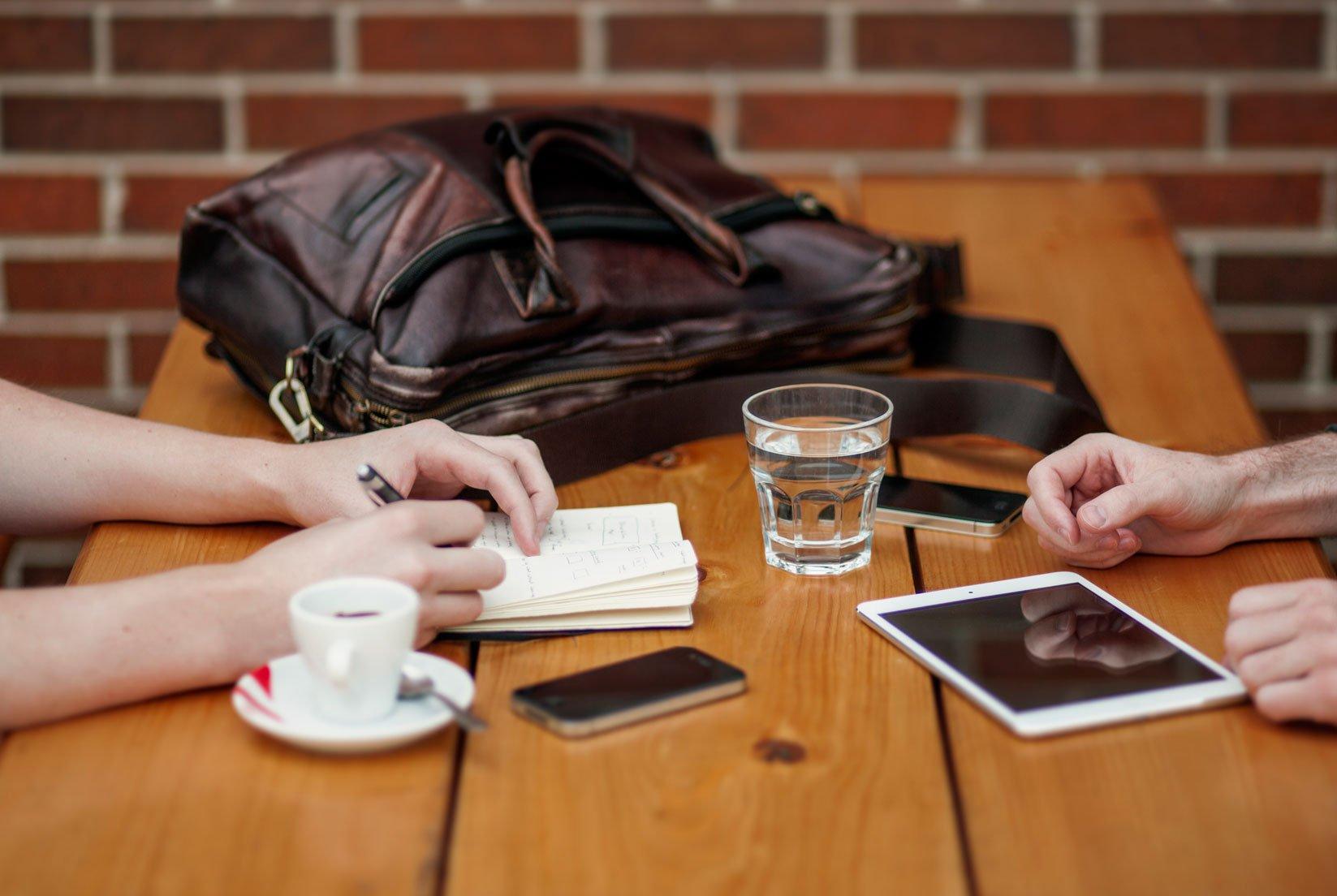 work-meeting-ipad